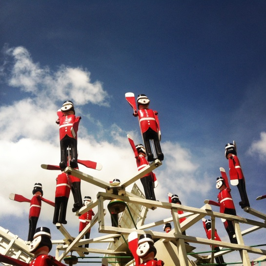 Soldiers against a Snowshill sky